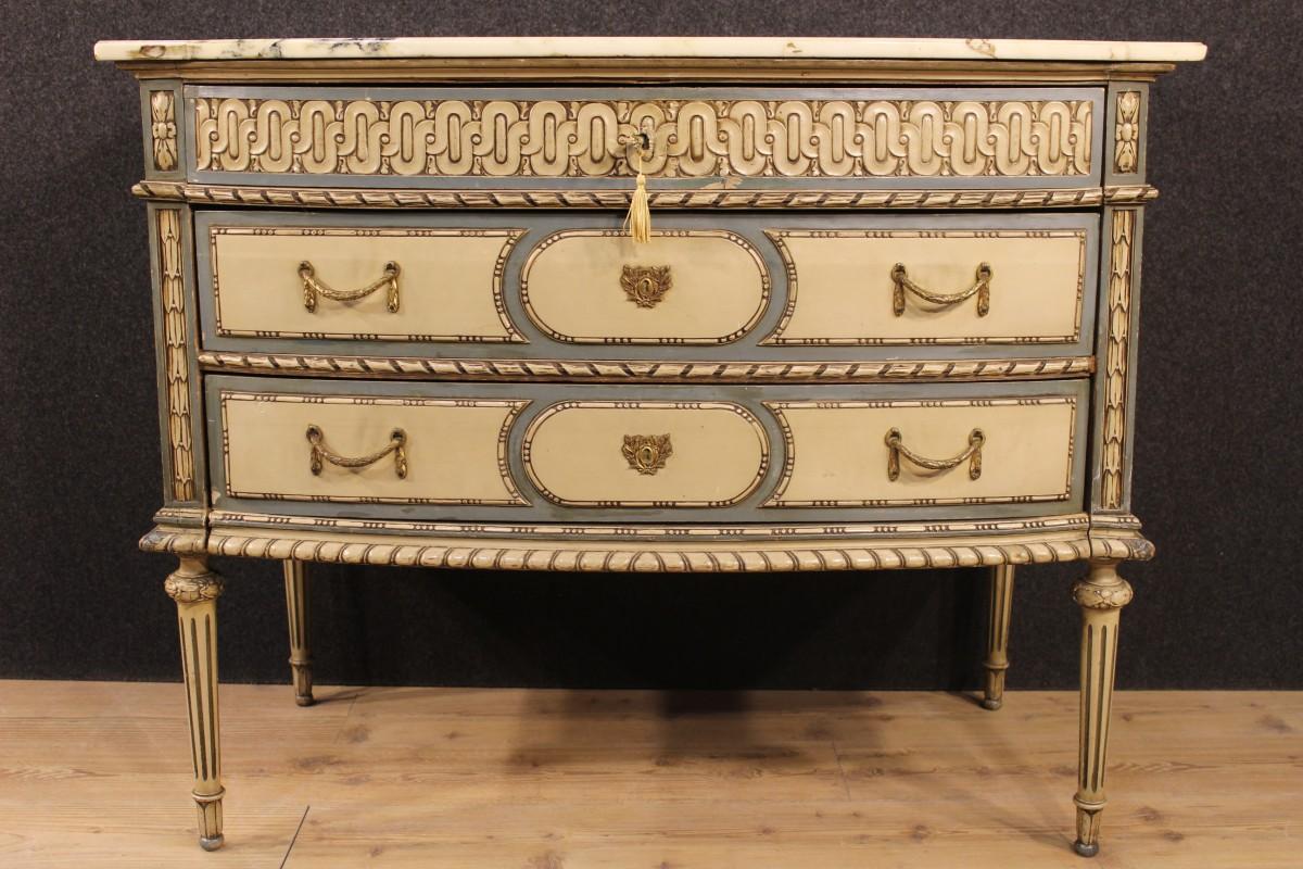 Antiquariato Torinese e l'origine dei mobili in stile piemontese
