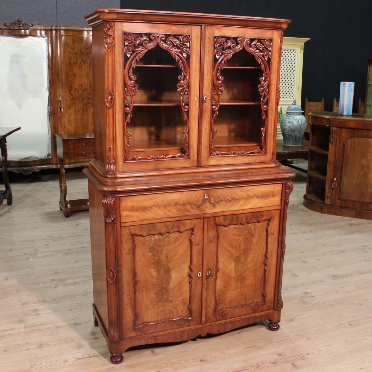 Fascino e innovazione nel design dei mobili antichi olandesi for Mobili medievali
