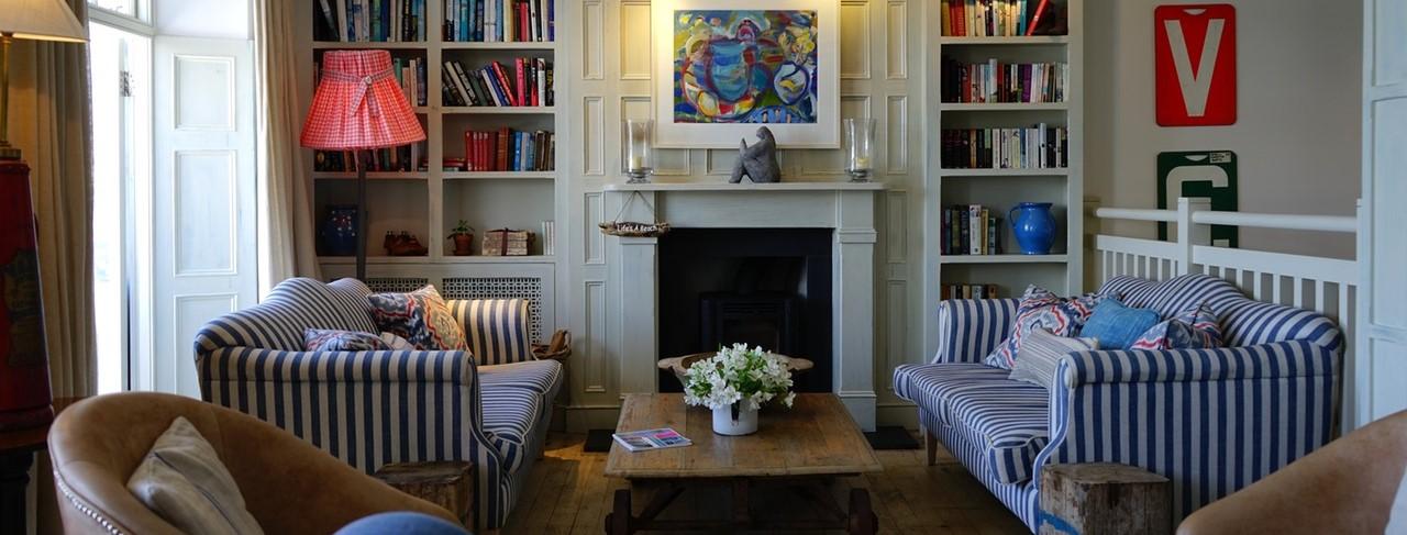 Arredare casa con i mobili inglesi antichi for Case stile inglese interni