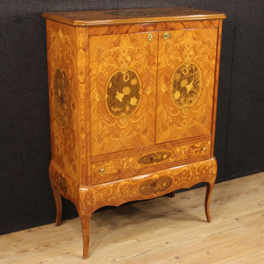 I mobili intarsiati una tradizione antica for Mobili medievali