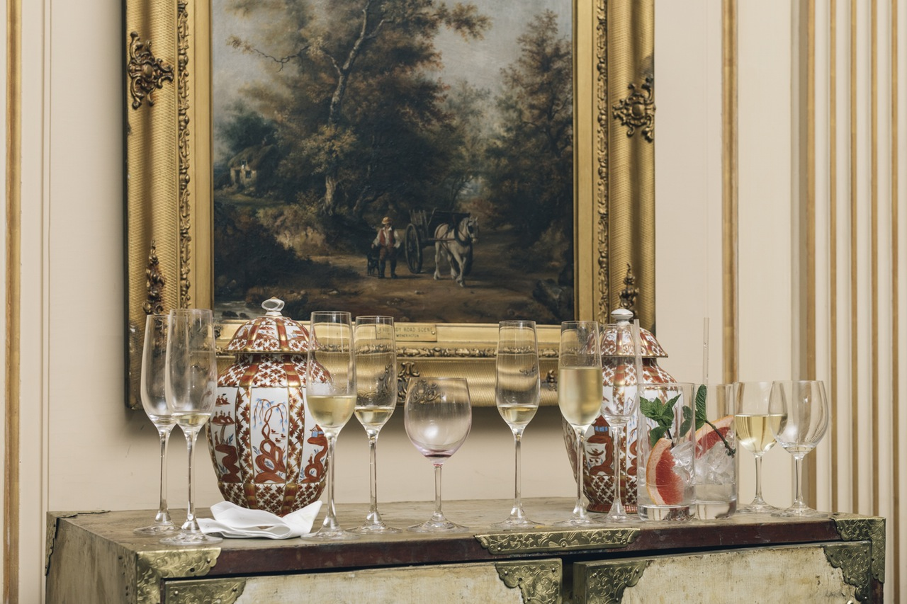 Arredare con stile dipinti antichi per case moderne for Interni di case antiche