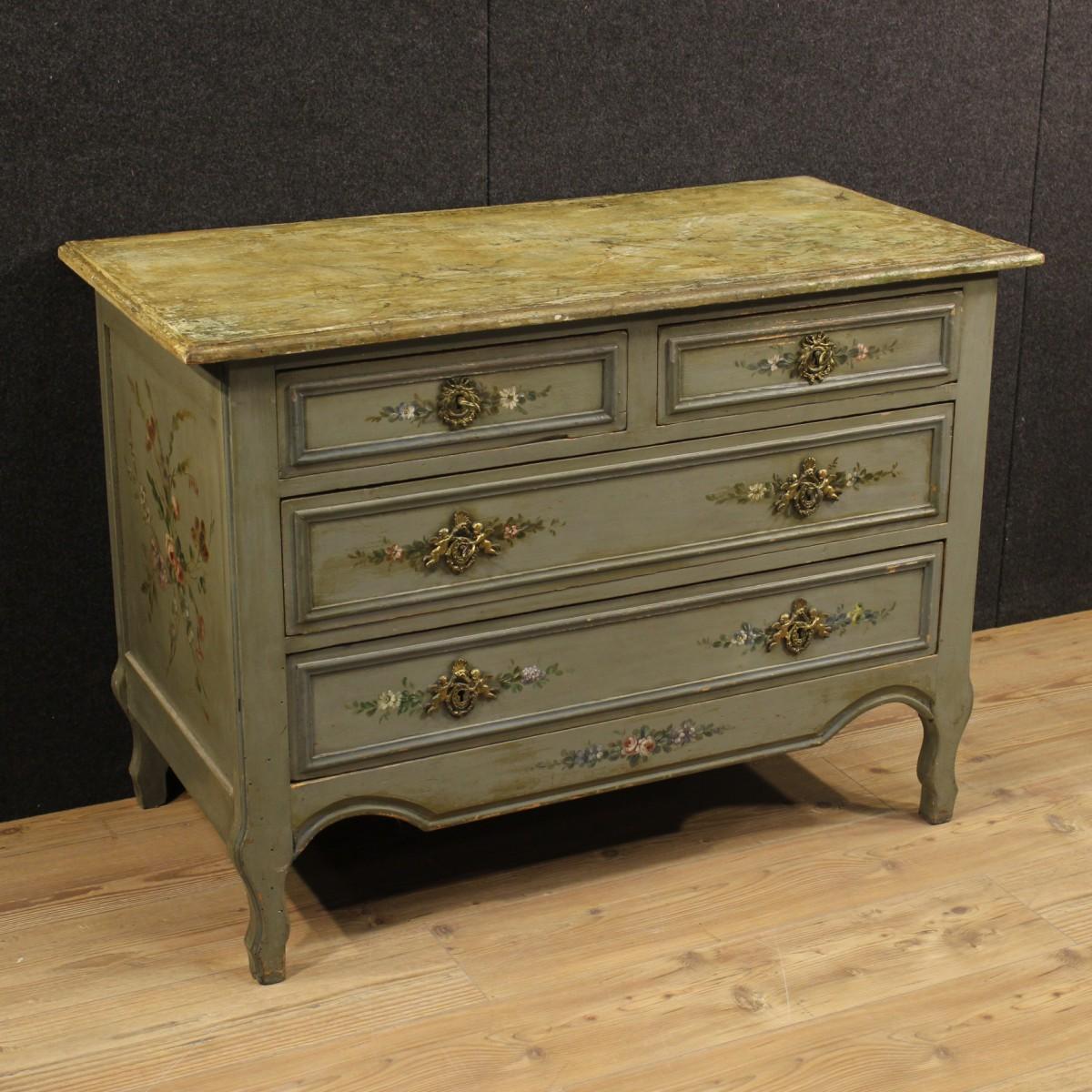 Originalit in casa i mobili antichi laccati - Mobili antichi colorati ...
