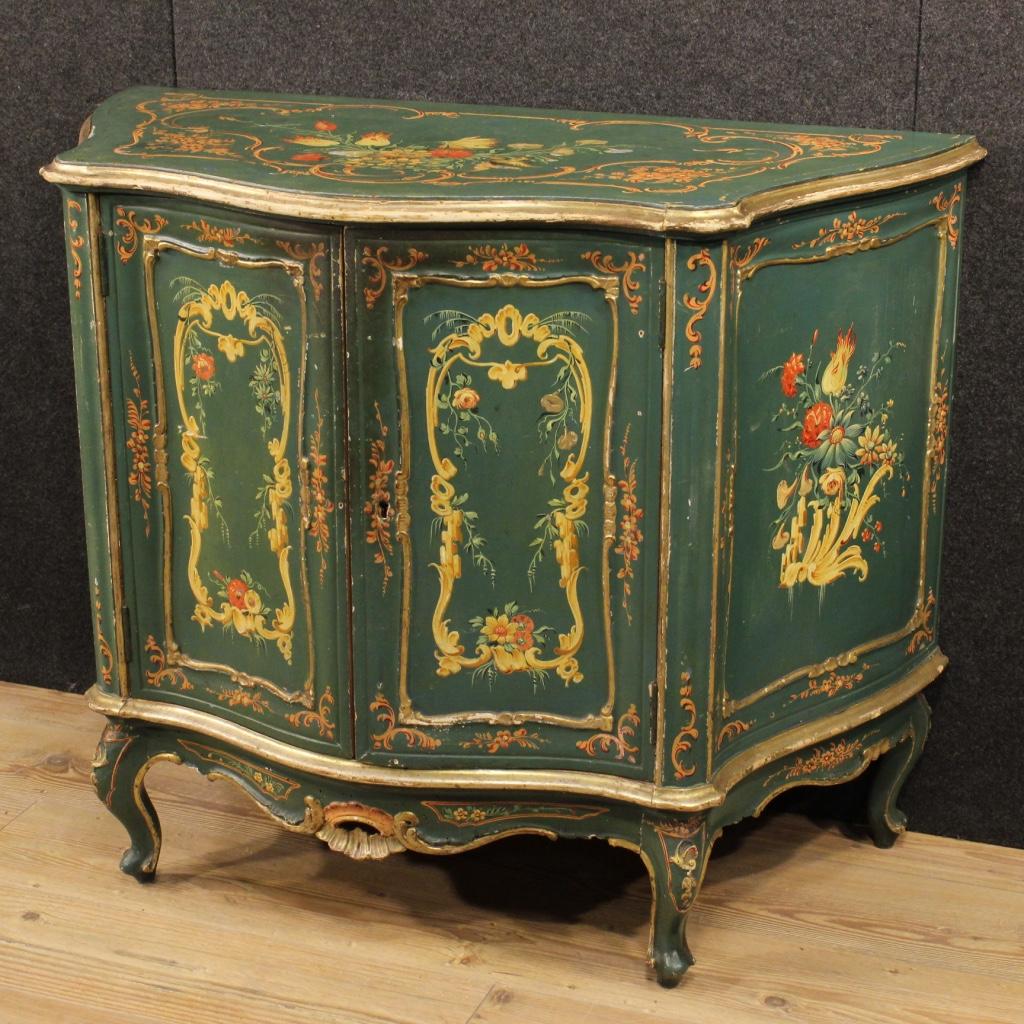 Originalit in casa i mobili antichi laccati for Mobili 700 francese