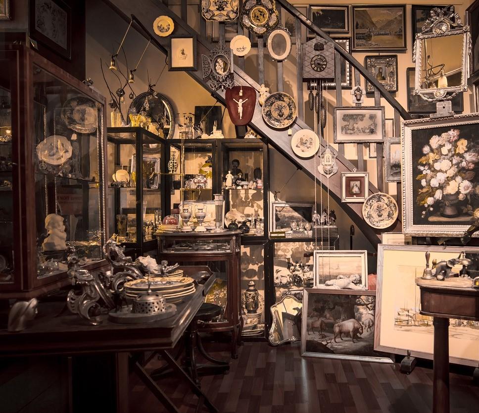 vendita antiquariato dipinti oggetti collezioni