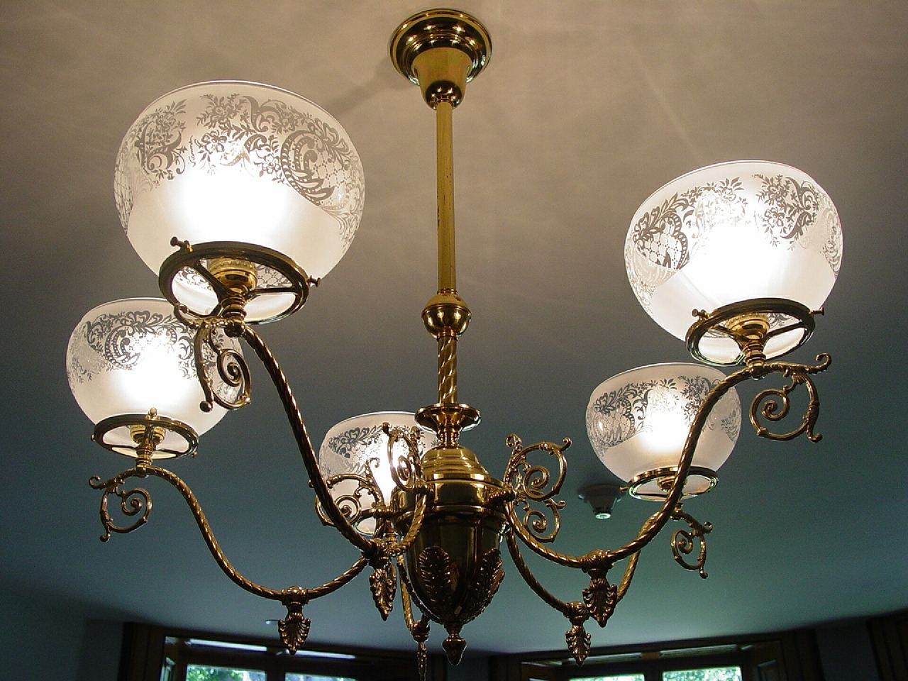 Lampadario Antico In Legno : Lampadari cucina ferro battuto lampadario bilancere rustico