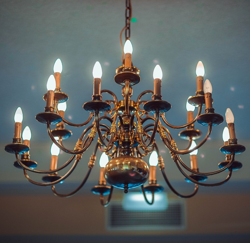 Lampadari Di Murano Antichi Prezzi.Lampadari Antichi Per Illuminare L Arredamento Contemporaneo