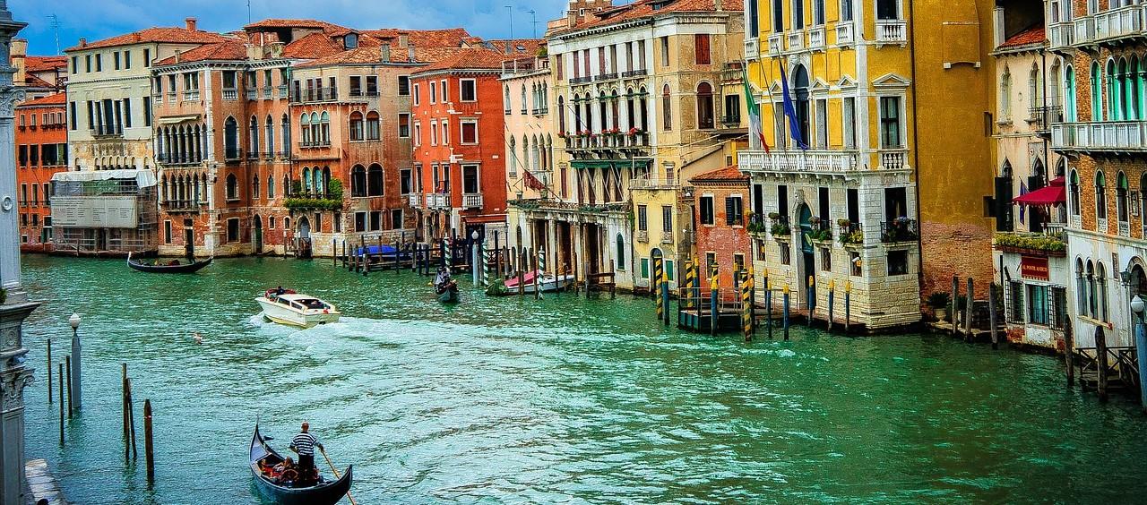 Negozi e mercatini d 39 antiquariato a venezia indirizzi e for Negozi arredamento venezia